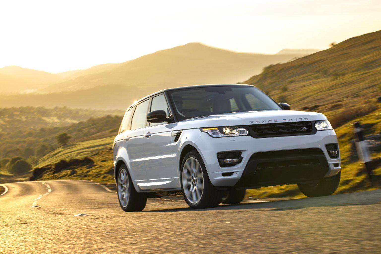 Jaguar F-TYPE a Range Rover Sport bodují! - First Style