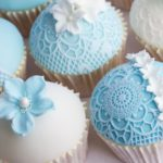 18320602 - wedding cupcakes