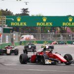 Italský jezdec závod chvíli před koncem dokonce vedl
