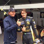 Pietro Fittipladi se chystá na start závodu F1. Dědeček Emerson je právem hrdý