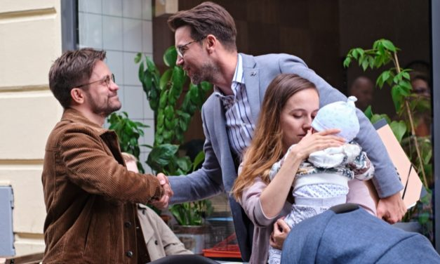Komedie Deníček moderního fotra vstoupí do kin v srpnu a představuje trailer a plakát