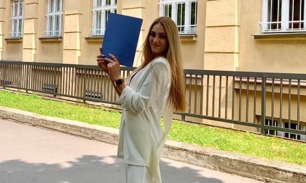 Finalistka České Miss Štroffeková jede: Na nedostatek práce si opravdu nemůže stěžovat