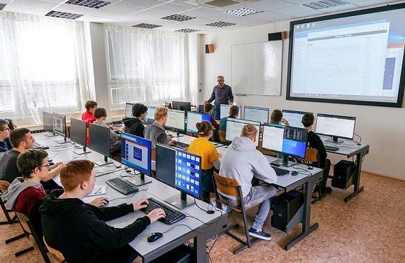 Korona naučila žáky soustředit se a pracovat s daty. Zvýšila se efektivita užití ICT ve výuce